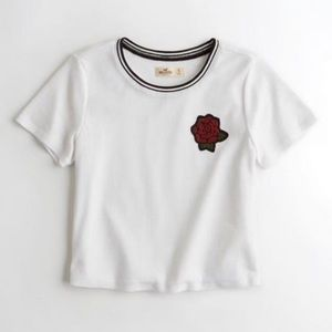HOLLISTER RED ROSE ADORNED WHITE TEE